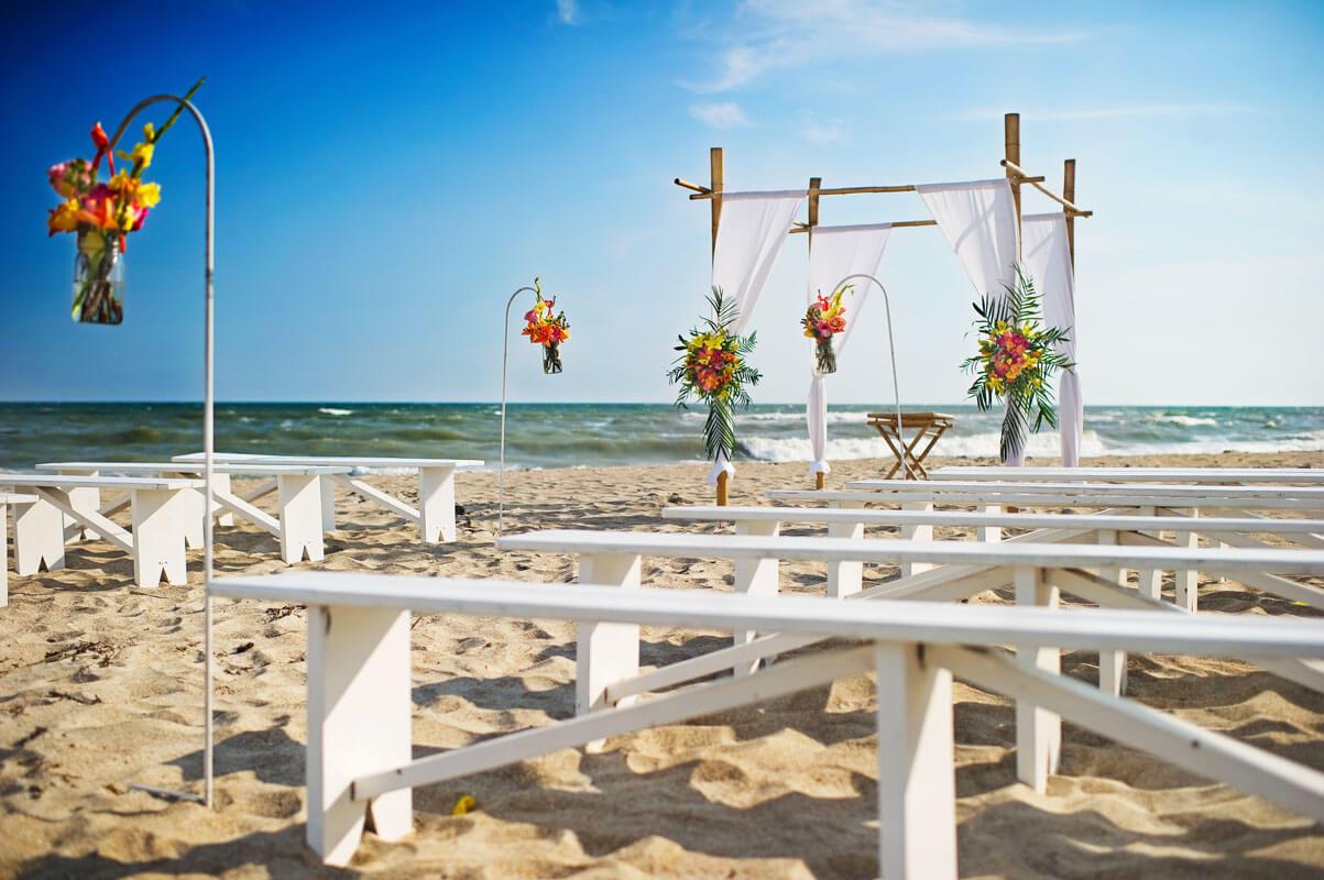 Beach Ceremony: Emerald Isle Beach Wedding Photos