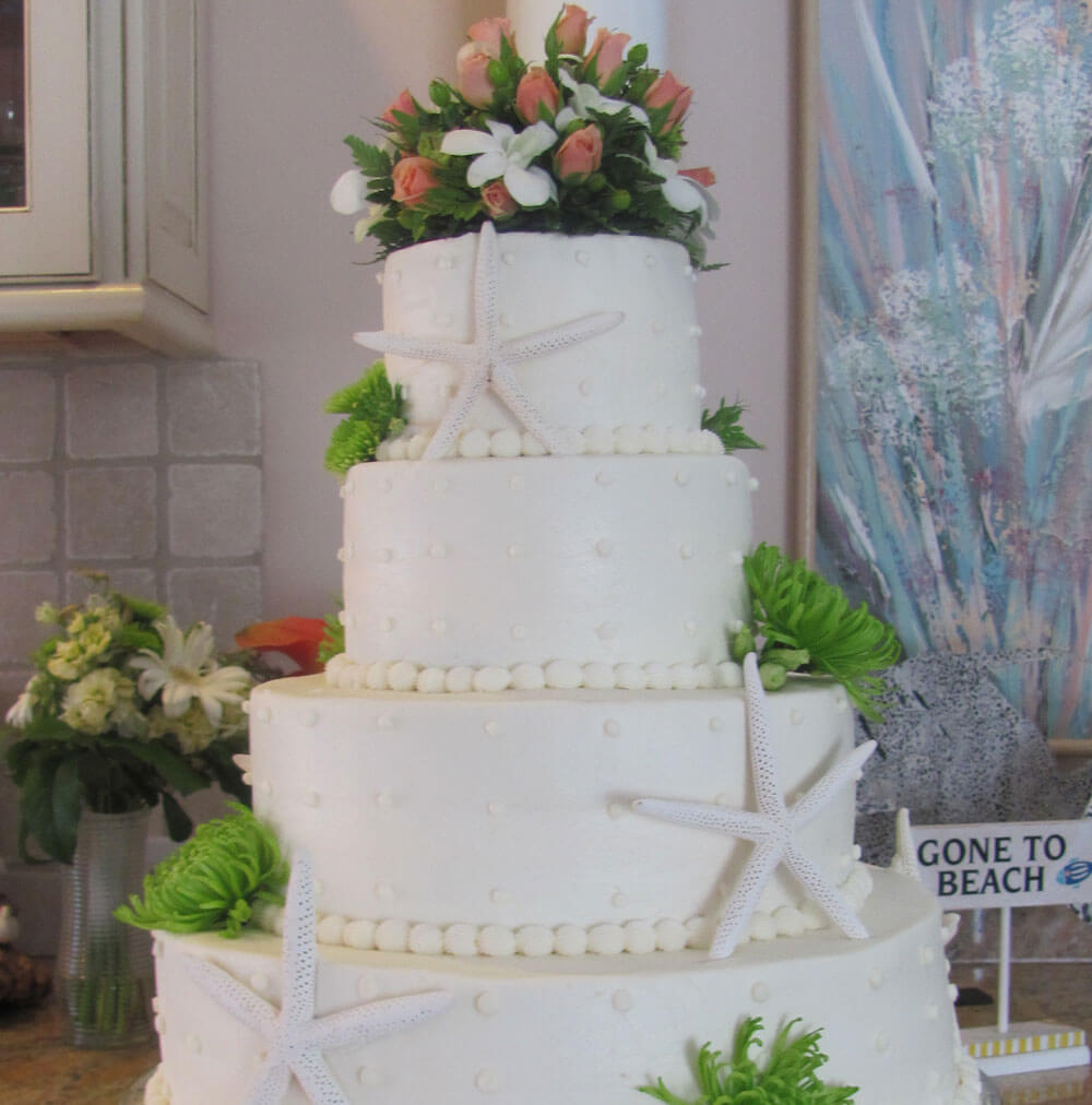 Elegant Cake with Coastal Theme