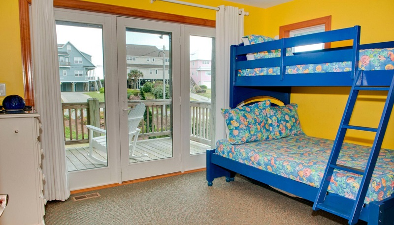 A Life of Rilee - Bedroom