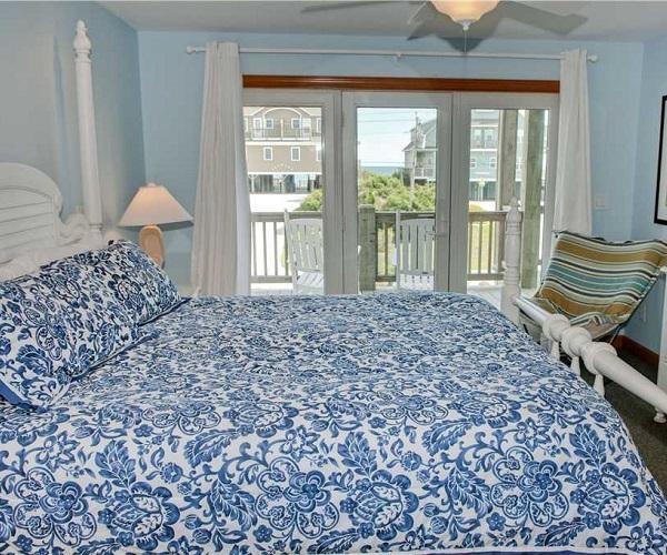A Life of Rilee Bedroom