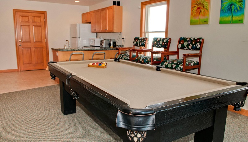 A Life of Rilee - Game Room