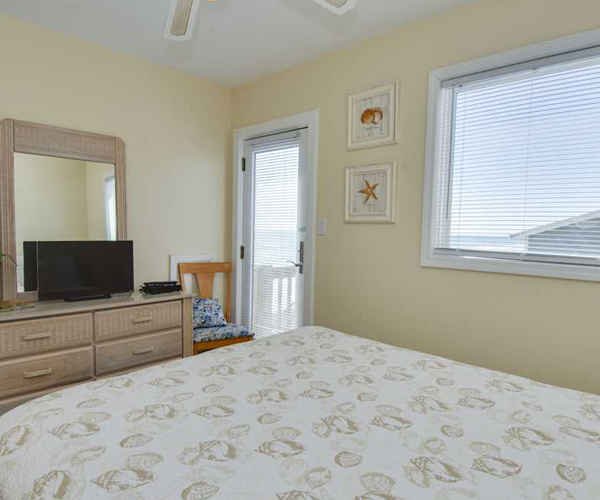 Featured Property Star Deck West - Bedroom 2