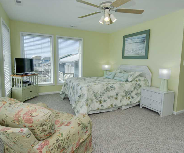 Featured Property Star Deck West - Bedroom 3