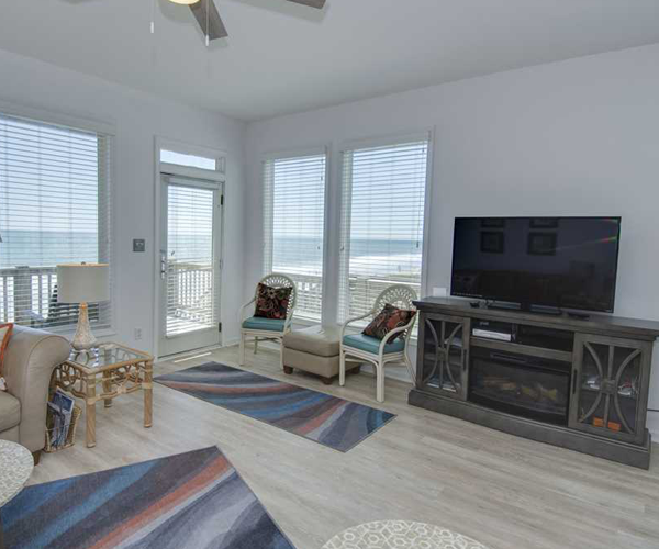 Featured Property Star Deck West - Living Room 2
