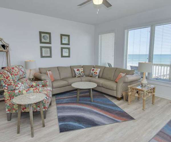 Featured Property Star Deck West - Living Room