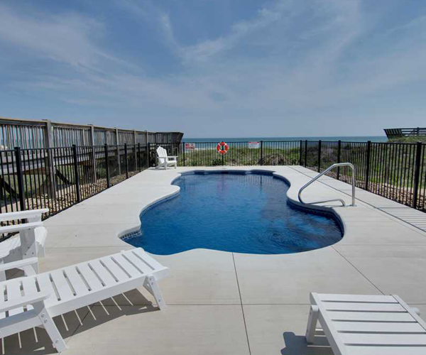Featured Property Top Notch Too West - Pool 2
