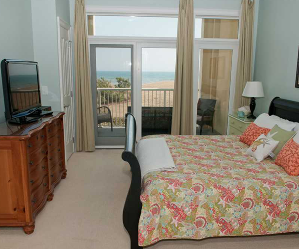 Featured Property Grande Villas 1H - Bedroom 1