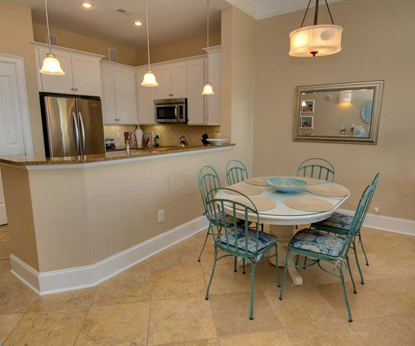 Featured Property Grande Villas 1H - Kitchen and Dining