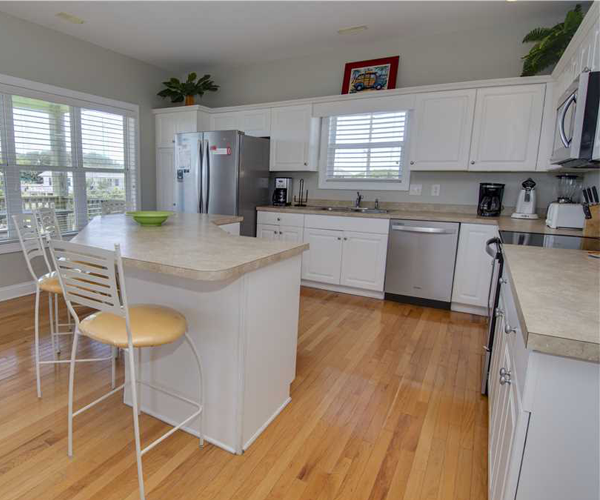 Featured Property Key Lime Retreat - Kitchen
