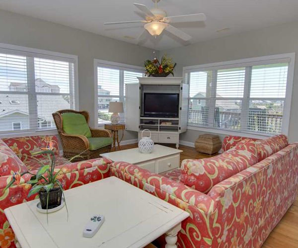 Featured Property Key Lime Retreat - Living Room