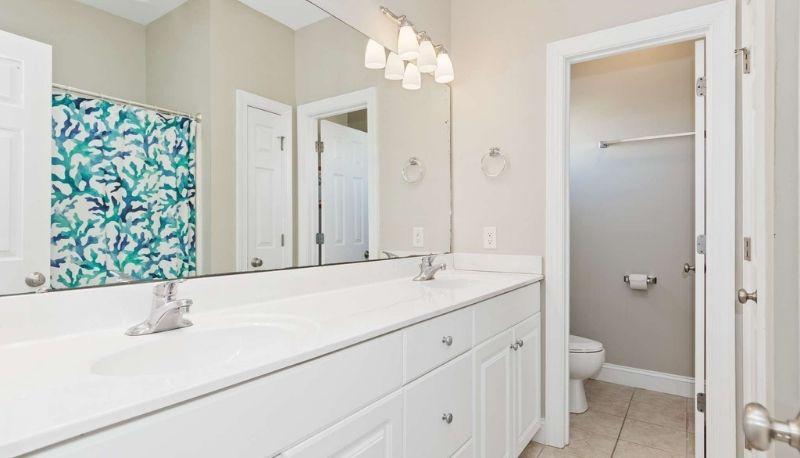 Key Lime Retreat - Bathroom