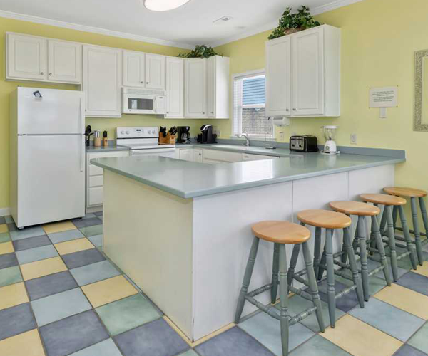 Featured Property Happy Place West - Kitchen