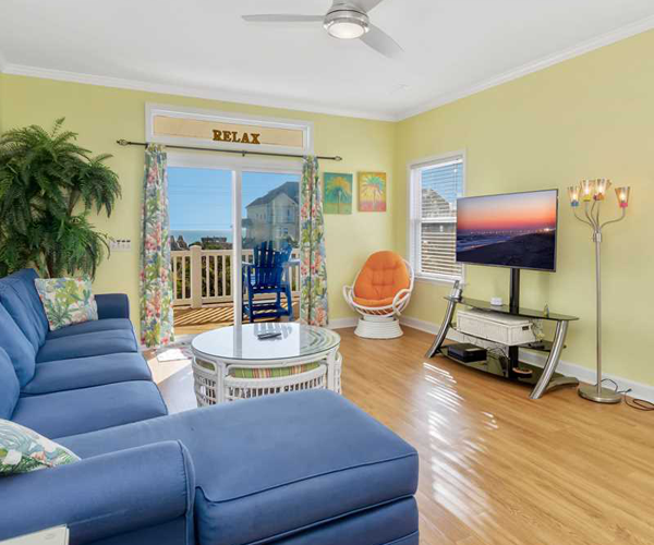 Featured Property Happy Place West - Living Room