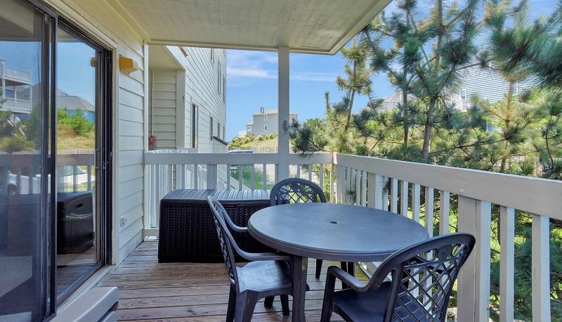 Point Emerald Villa C-106 - Deck