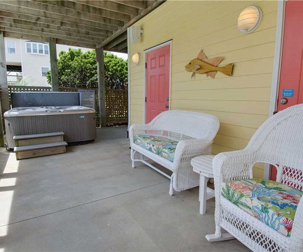 Casa de la Playa Vacation Rental - Hot Tub