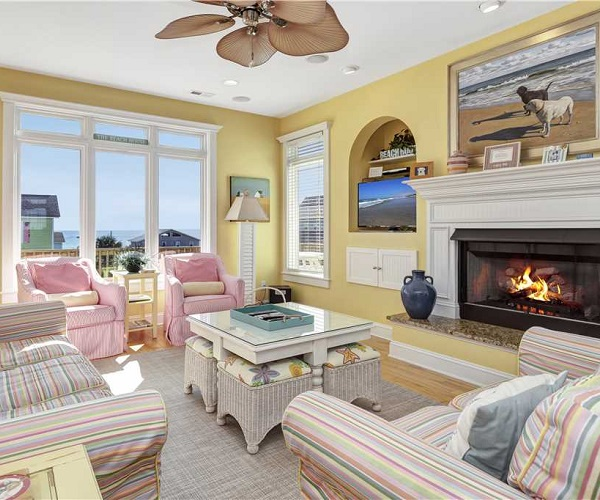 Casa de la Playa Vacation Rental - Living Room