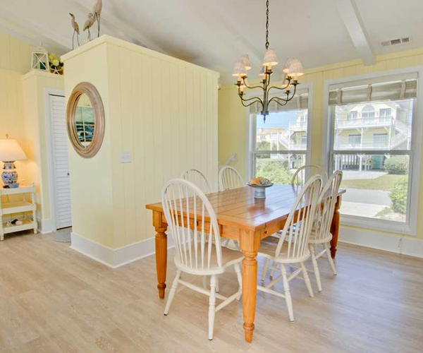 Featured Property Summer Blue - Dining