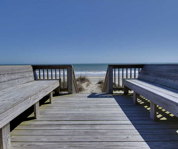 Featured Property Aboard Delight West - Beach Path