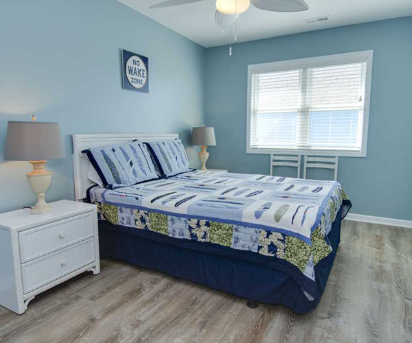Featured Property Aboard Delight West - Bedroom 3