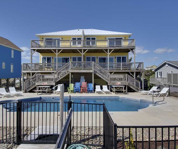 Featured Property Aboard Delight West - Exterior