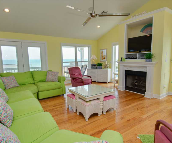 Featured Property Bon Ami - Living Room