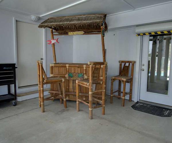 Featured Property Bon Ami - Tiki Bar