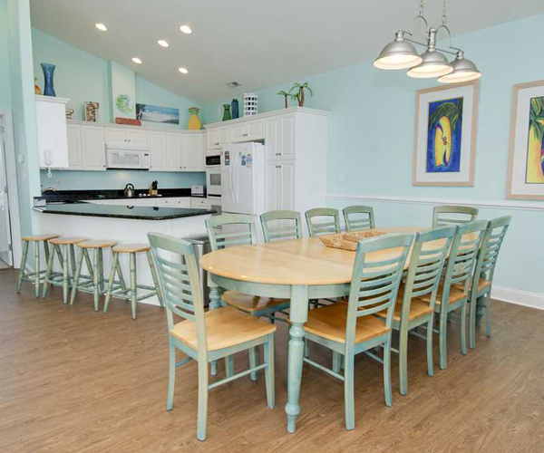 Featured Property Bahama Breeze West - Dining and Kitchen