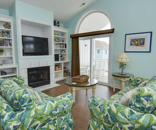 Featured Property Bahama Breeze West - Living Room 2