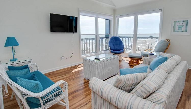 Ocean Reef 8 A-2 - Living Area