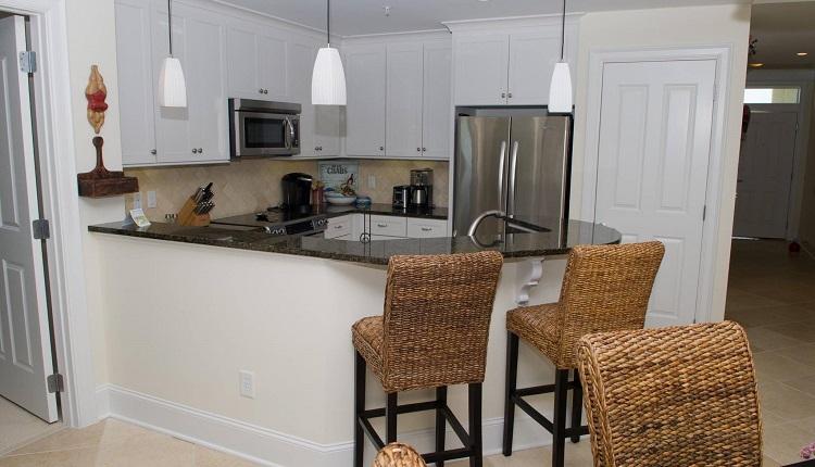 Grande Villas 5-D - Kitchen