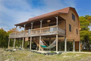 Bobby's Beach Barn Vacation Rental House