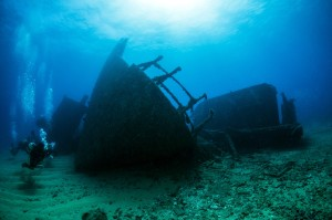 Crystal Coast Shipwrecks Divers and Wreck