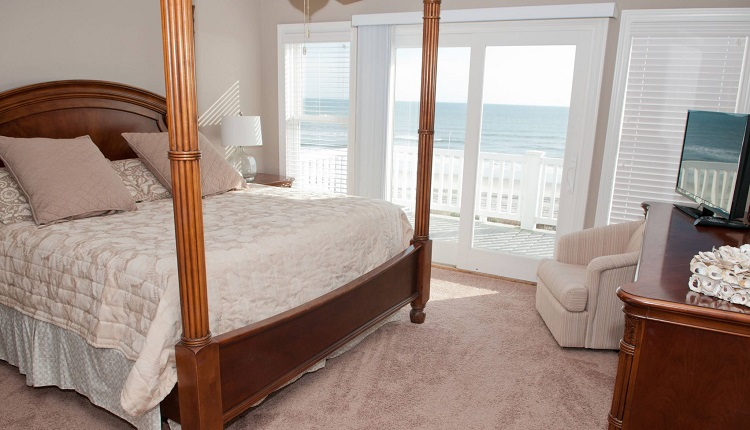 A Dolphin Watch - Bedroom
