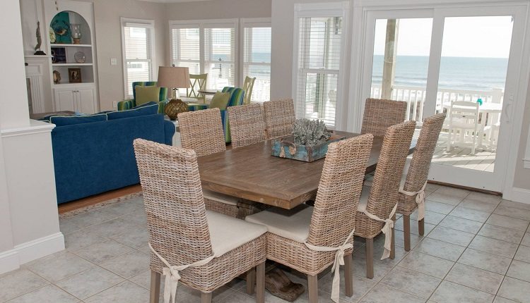 A Dolphin Watch - Dining Room
