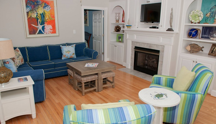 A Dolphin Watch - Living Room