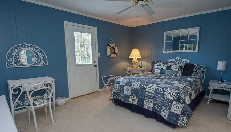 Bobbys Beach Barn - Bedroom