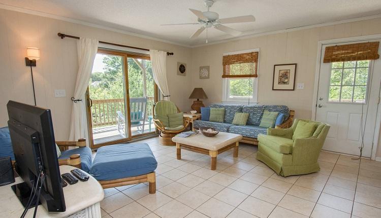 Bobbys Beach Barn - Living Room