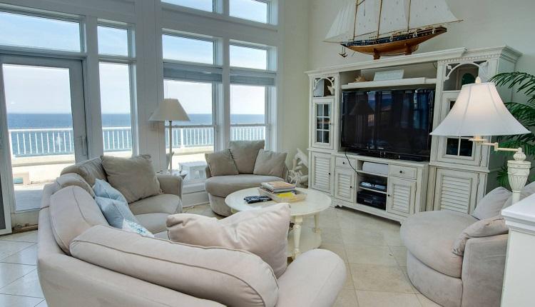 Grande Villas 8-G - Living Room