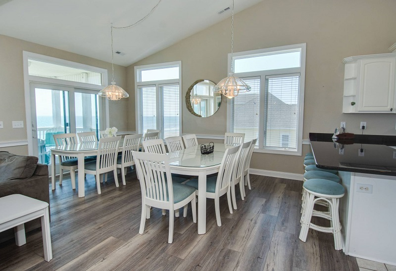 A Sea Palace - Dining Room