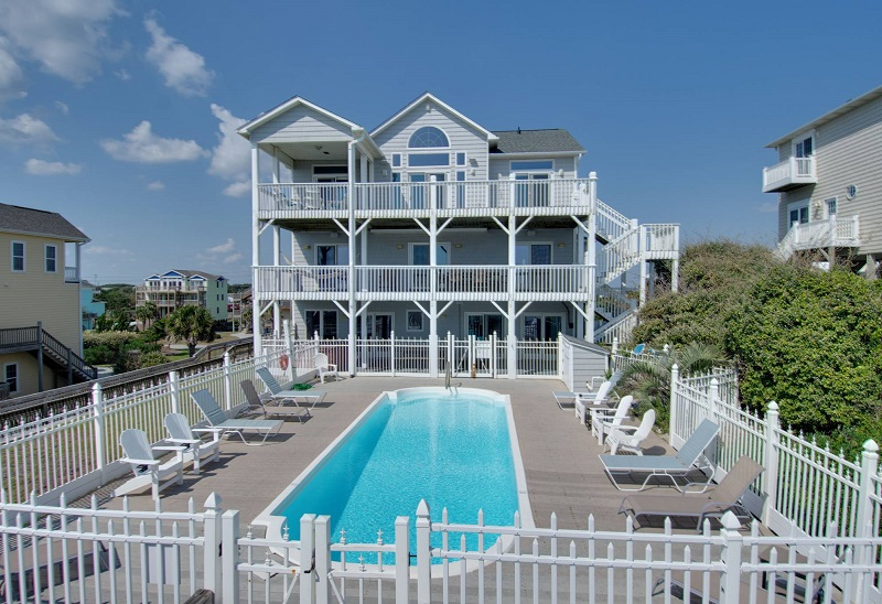 A Sea Palace - Oceanfront Beach House in Emerald Isle, NC
