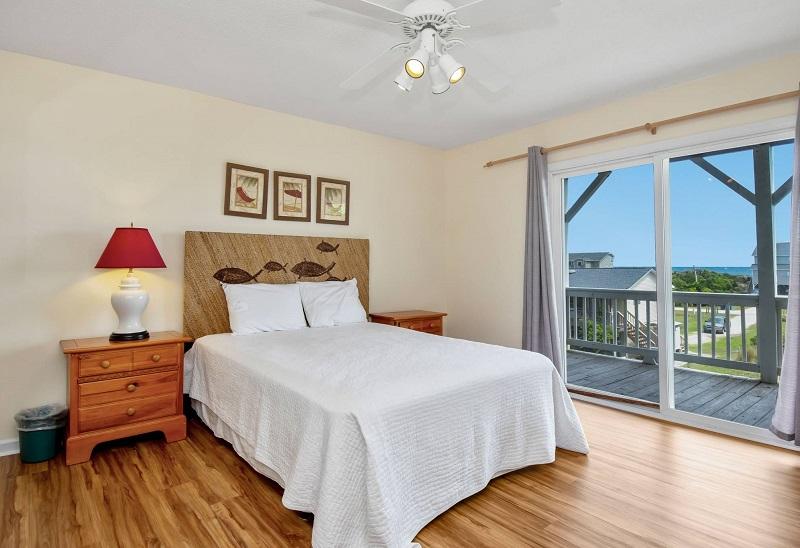 Barefoot Pelican - Bedroom