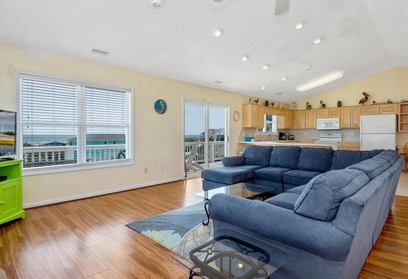 Barefoot Pelican - Living Room