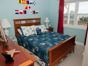 Sol Mate Vacation Rental Bedroom in Emerald Isle, NC