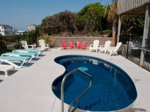 Sol Mate Vacation Rental Pool in Emerald Isle, NC