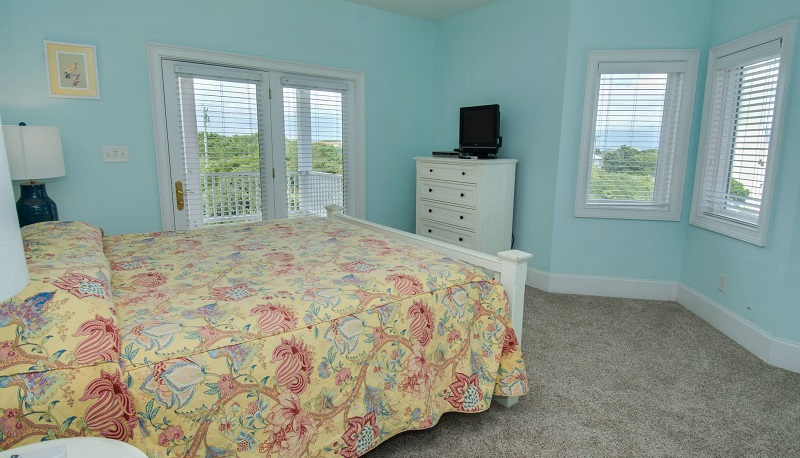 Coral Treasure - Bedroom