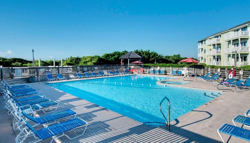 Pebble Beach Condos - Pool