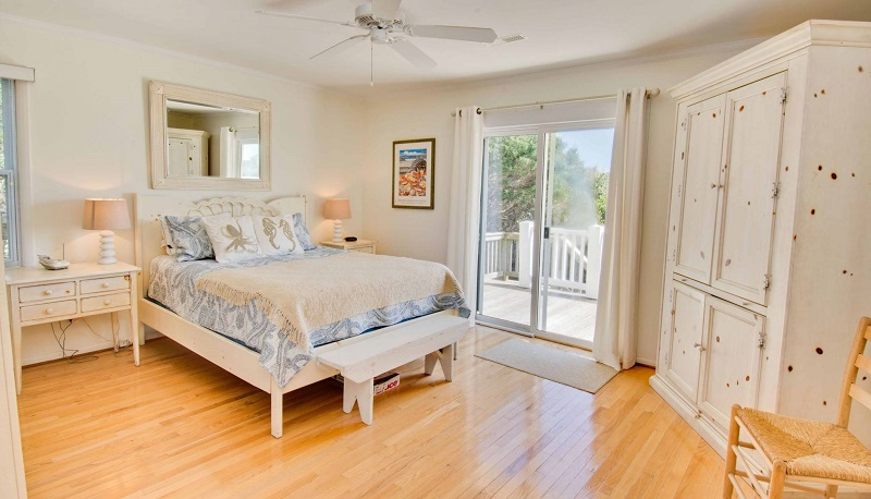 100 Periwinkle - Bedroom