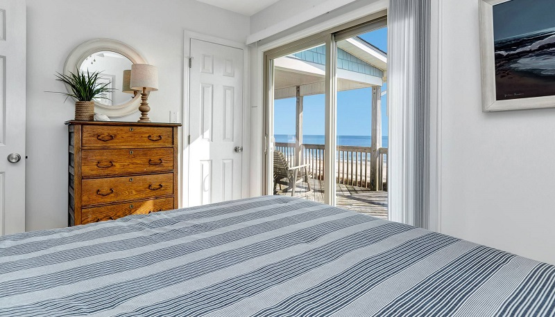 Above the Tide - Bedroom