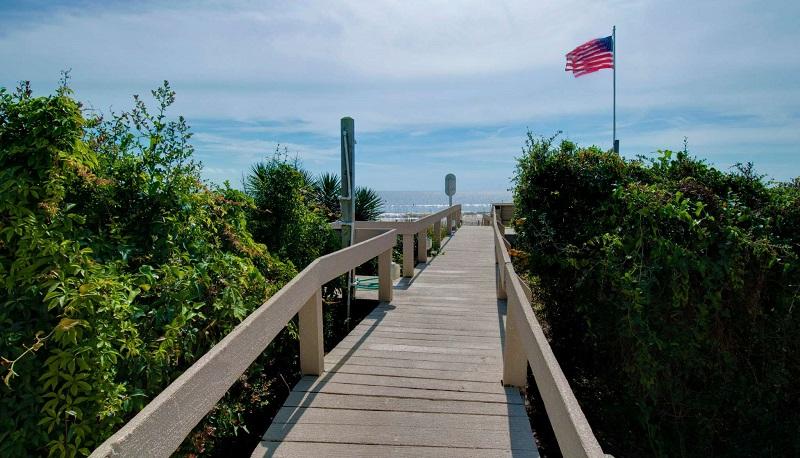 Bogue Shore Club 401 - Beach Access