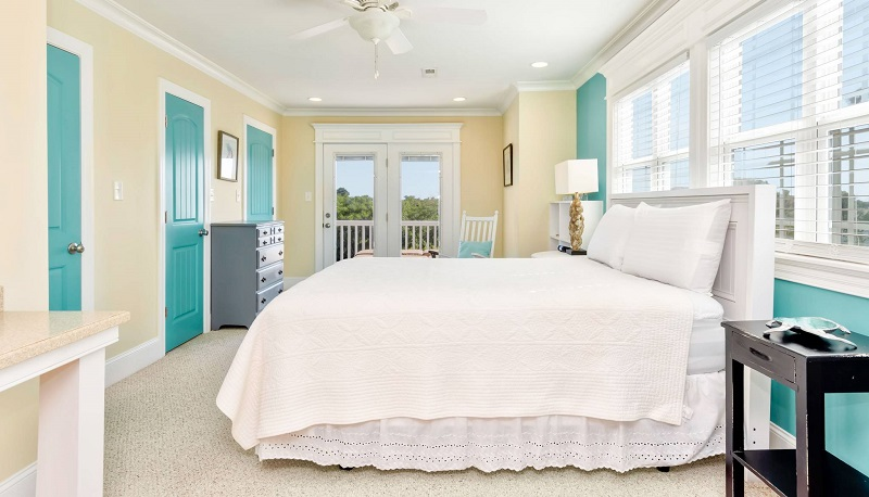 Toz-n-Sand Bedroom